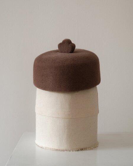 Liis tegi koidest näritud kübarast uue ja moodsa peakatte.