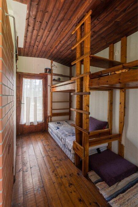 Magamistoas aitavad ruumipuudusest üle saada sisseehitatud narid
