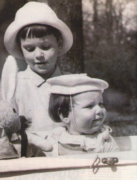 """""""NENNA"""" JA """"NINNI"""": Ehk Lennart (6) ja Hindrek (1,5), nagu neid kodus kutsuti. Foto tegi 1935 Berliinis Tiergartenis poiste isa Georg Meri."""