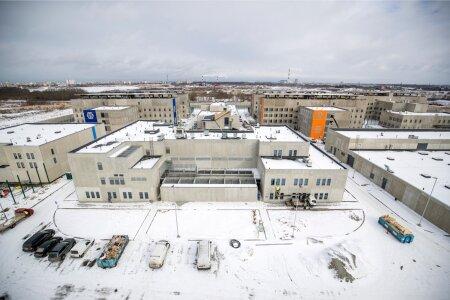 Panoraamvaade vanglakompleksile juhtimiskeskuse katuselt
