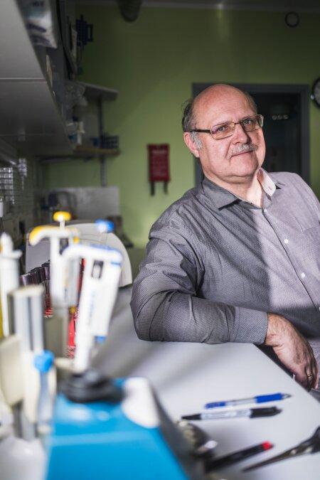 """VIROLOOG ANDRES MERITS: """"Me ei saa viiruse sissetoomist takistada, aga tähtis on ta õigel ajal üles leida."""""""
