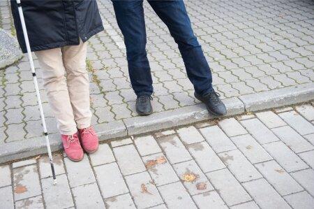 MIKS ON ÄÄREKIVID HEAD: nende järgi saab pime jalakäija oma sihid õigeks seada.