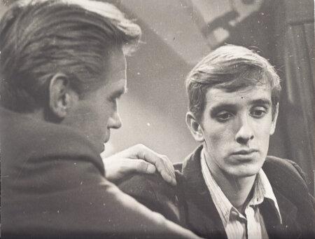 """ALGUS: Lembit Ulfsaki esimene filmitöö, Volodja Mjulleri roll Odessa kinostuudio filmis """"Jutustus tšekistist"""" (1969, režissöörid Boris Durov ja Stepan Putšinjan)."""
