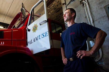 Palamuse pritsumeeste eestvedaja Margus Kaasik suhtub tulekahjule tõttava komando vabatahtlikega mehitamisse skeptiliselt, sest maal on hajaasustus.