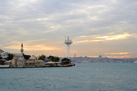 Vaade Sultanahmeti linnaosale üle Bosporuse väina