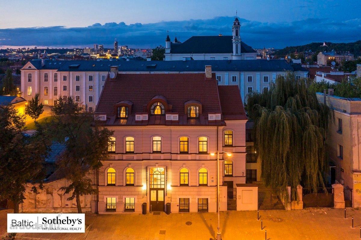 FOTOD   Miljoneid maksvad hotellid ja häärberid:  koroonakriisi keskel on müügis huvitavaid kinnisvaraobjekte Eestist Ukrainani