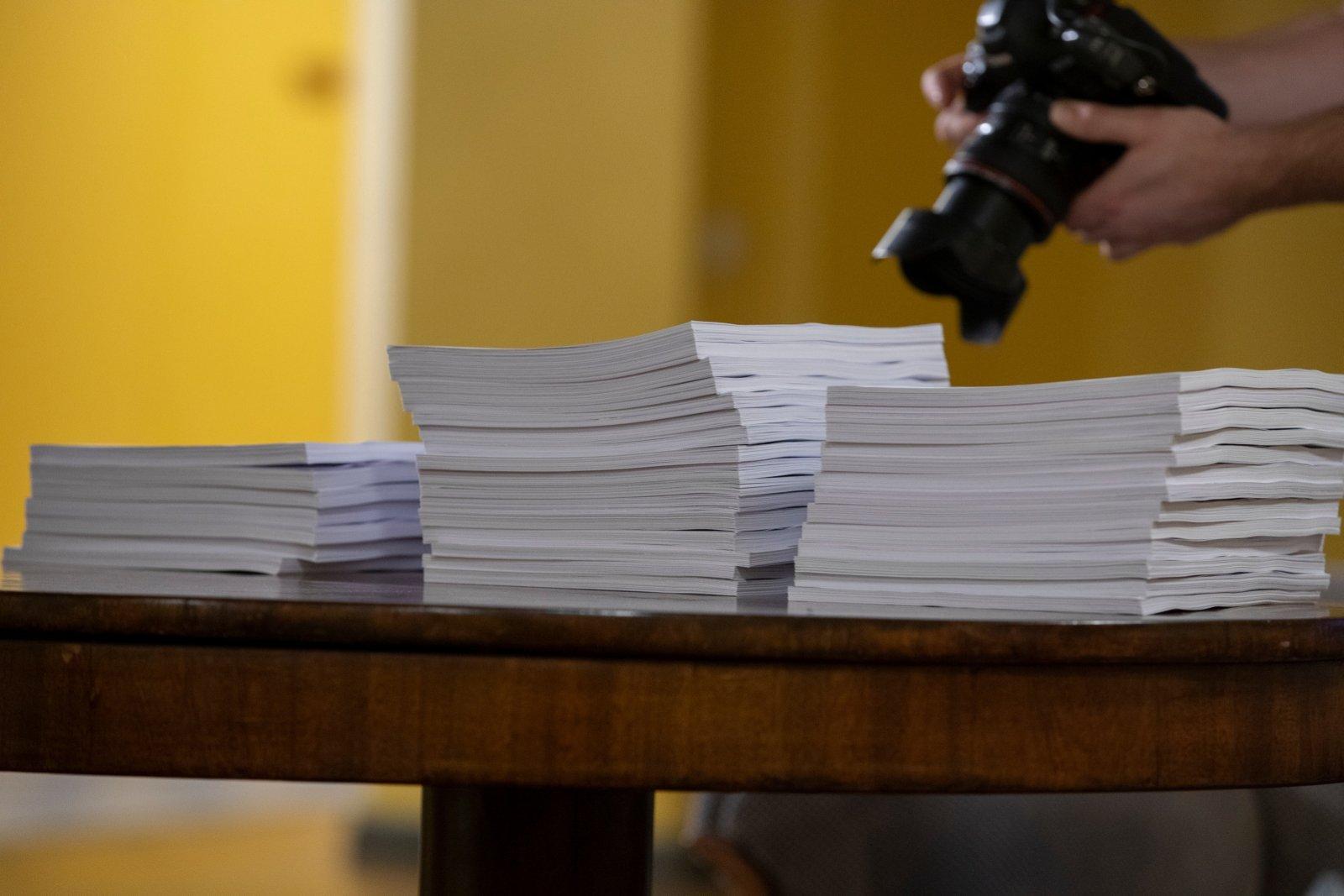 Abieluvõrdsuse toetajad on kogunud 80 000 eurot, abielu mehe ja naise liiduna põlistajad 70 000: