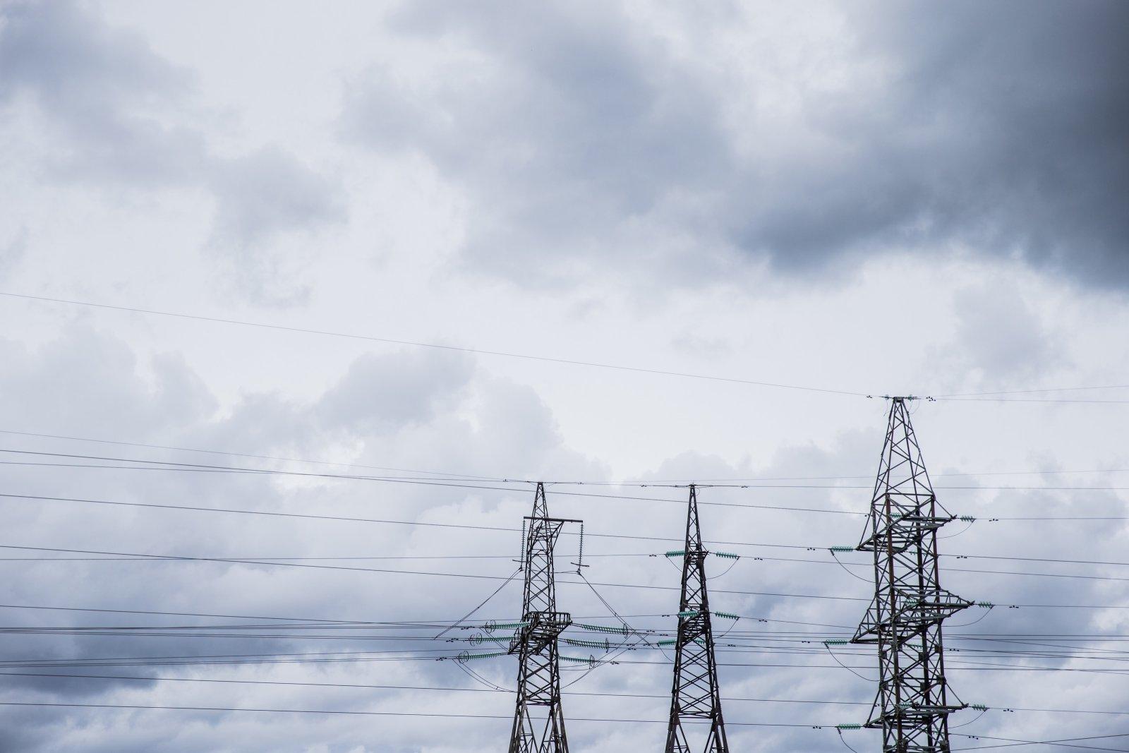 Tormituuled on elektrita jätnud pea 3000 majapidamist: