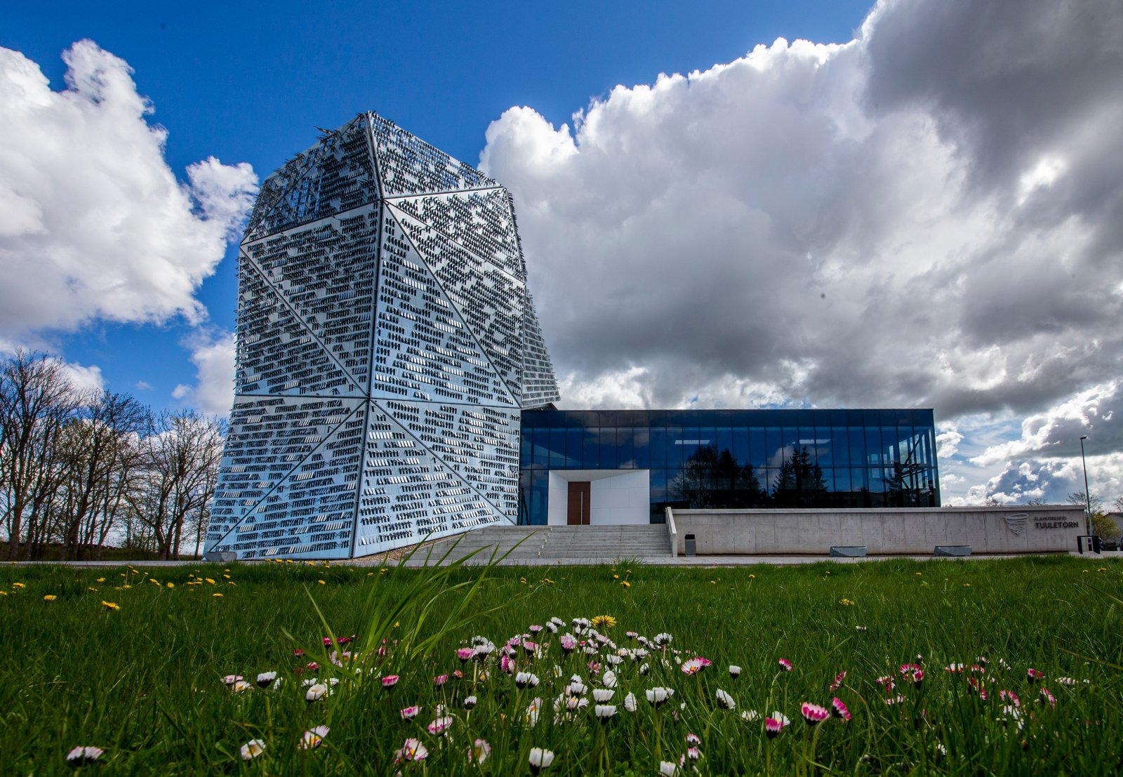 GALERII   Hiiumaal avati Elamuskeskus Tuuletorn, mis pakub põnevat avastamist kogu perele