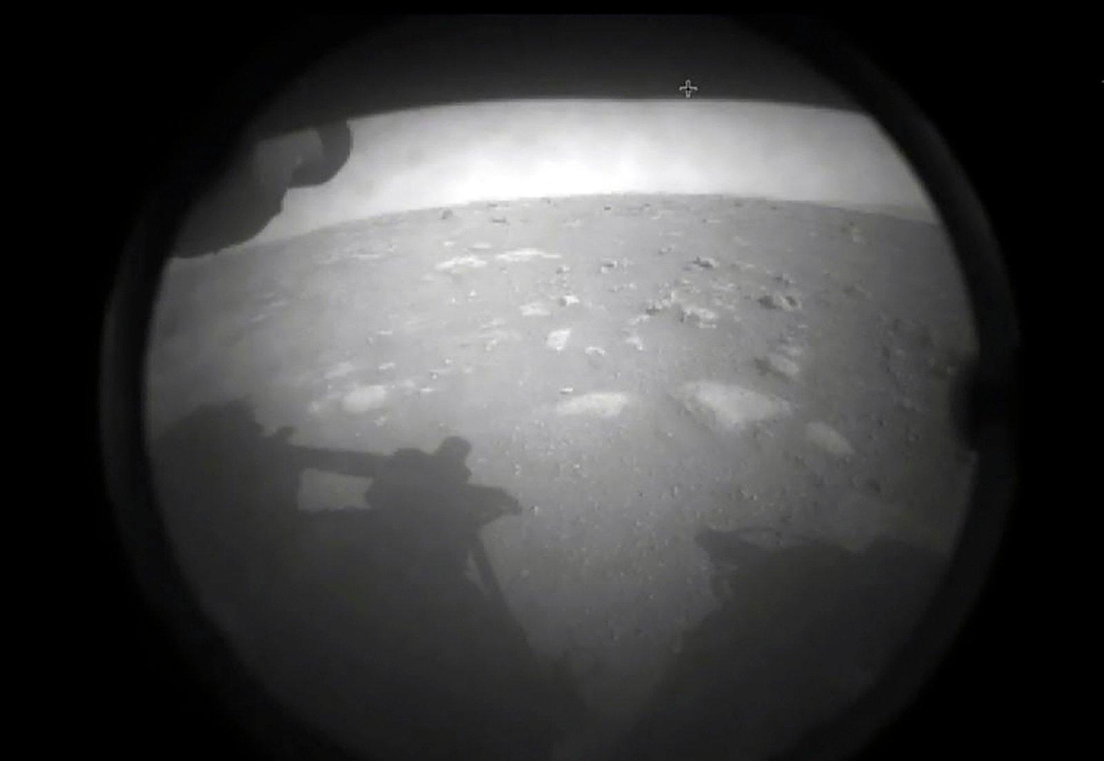 Marsilt elu märke otsiv NASA kulgur maandus edukalt ja lähetas Maale esimesed kaadrid