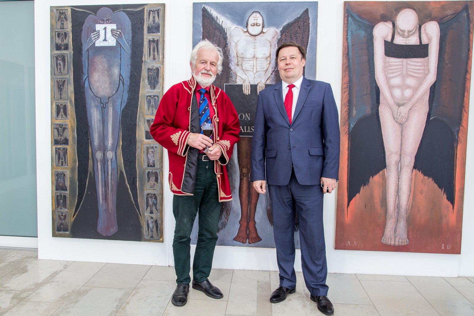 FOTOD | Pärnu Uue Kunsti Muuseumis avati igasuvine aktinäitus