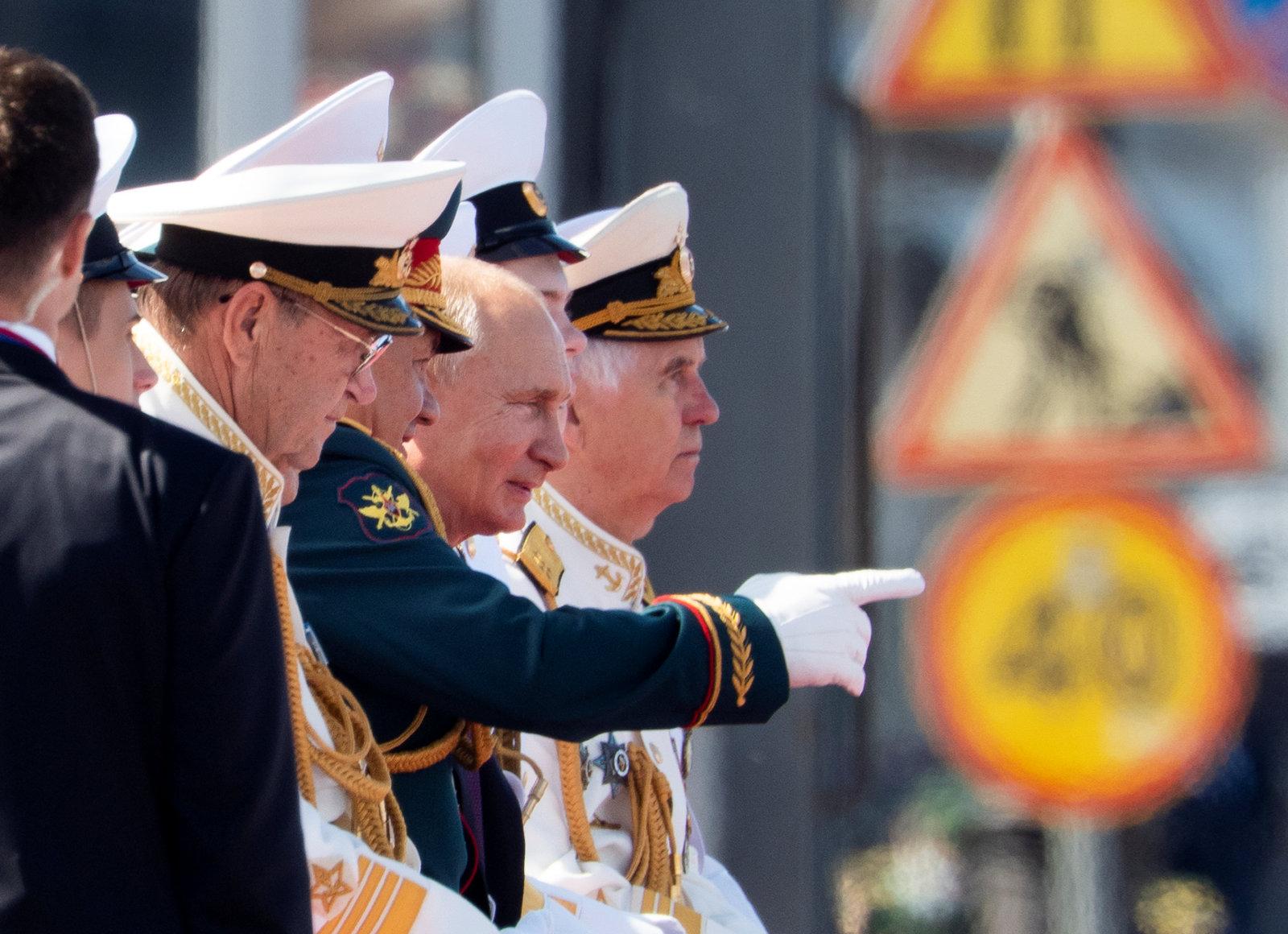 Toomas Alatalu Putini ajalooartiklist:  väikeriike nagu polekski. Kreml tahab hoida maailmas otsustajate ringi võimalikult väiksena